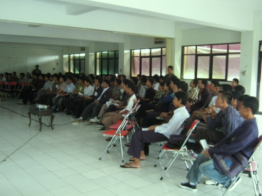 2. peserta mengikuti training