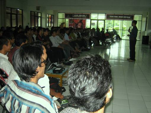 5. kapten cahyono membawakan materi the view of life